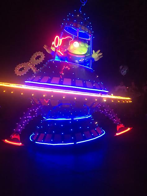 Disneyland's Paint the Night Parade with seating guide and viewing tips.