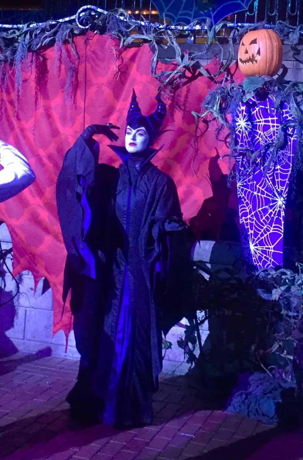 Halloween Disney 2019 Date.Disneyland Halloween Party Oogie Boogie Bash 2019 Happiest