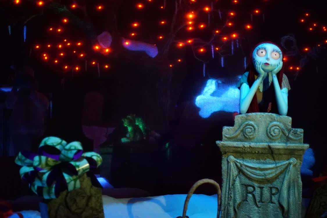 Sally finally makes an appearance in the Haunted Mansion Holliday