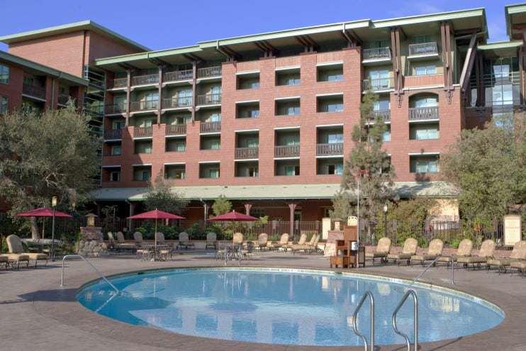 Top Water Park Hotels Near Disneyland