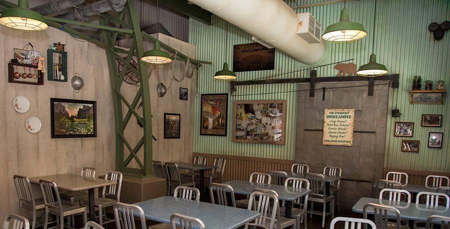 Smoke Jumpers Grill inside