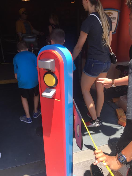 Disneyland FASTPASS and MaxPass return scanner.