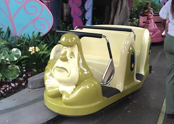 The Complete Disneyland Ride Guide. Alice in Wonderland, © The Happiest Blog on Earth.