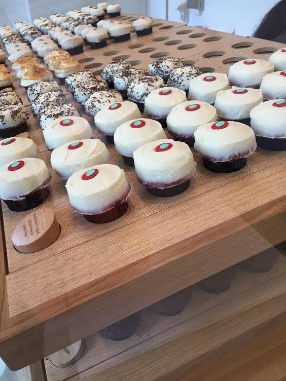 Disneyland | Disneyland Tips | Disneyland Travel | Sprinkle Cupcakes Disneyland