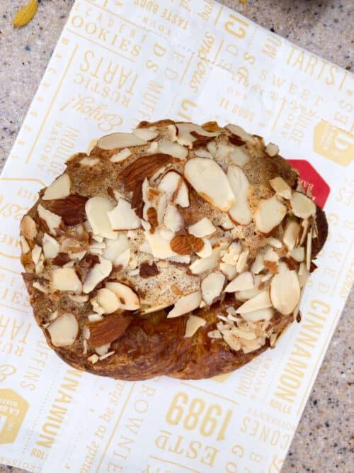 La brea disney almond