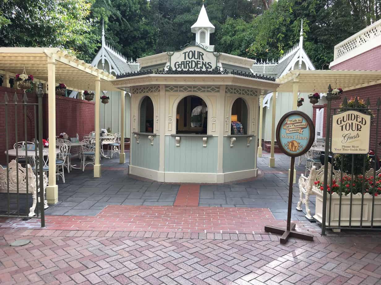 Disneyland Tour Garden