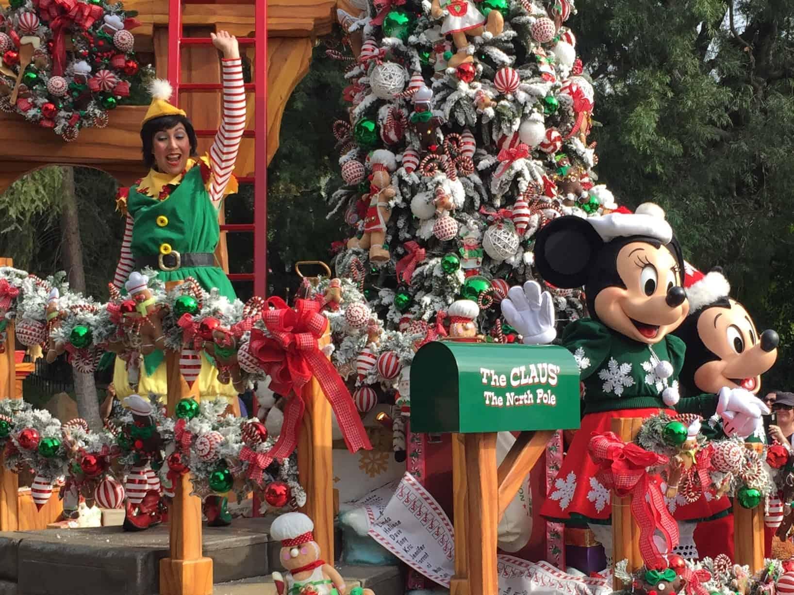 christmas parade disneyland