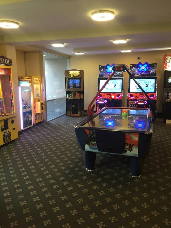 Howard Johnson Disneyland arcade