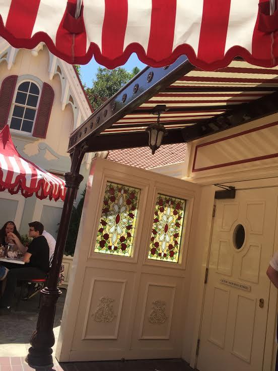 Carnation Cafe Disneyland dining