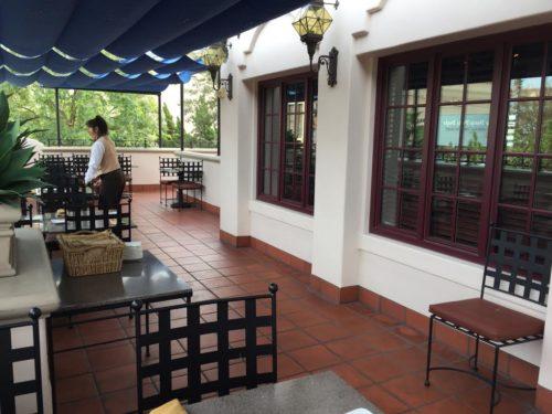 Carthay Circle patio