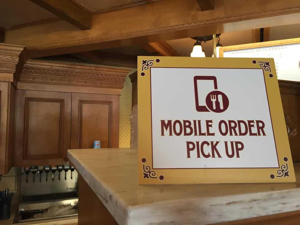 Mobile order pickup Disneyland