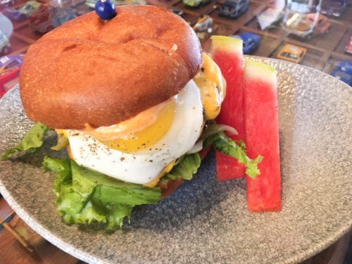 Lamplight Lounge Brunch burger
