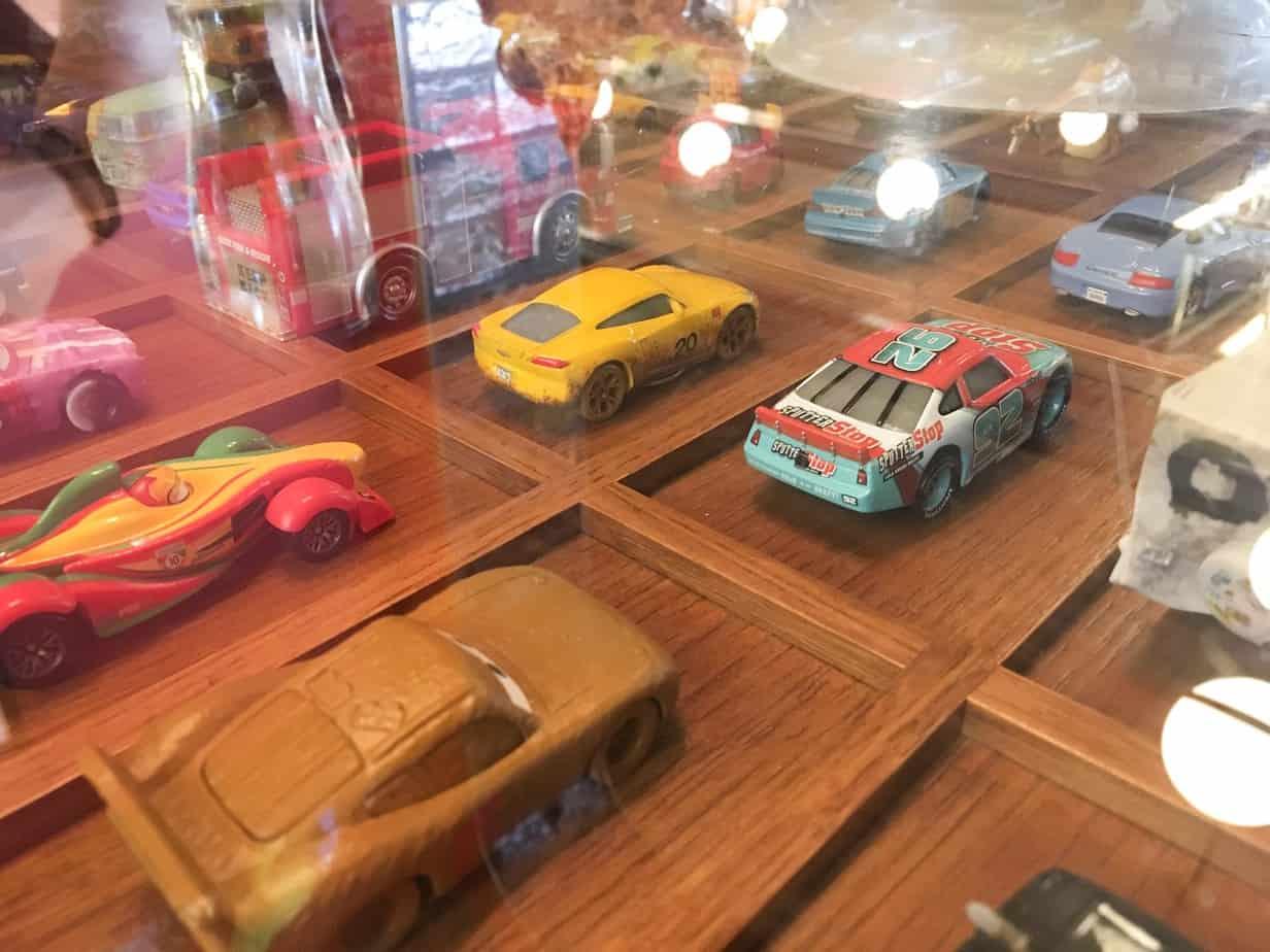 Lamplight Lounge Cars Table