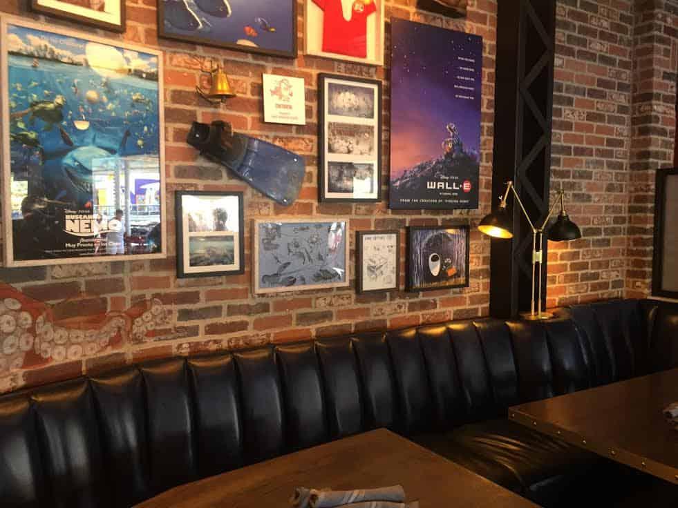 Lamplight Lounge WALLE