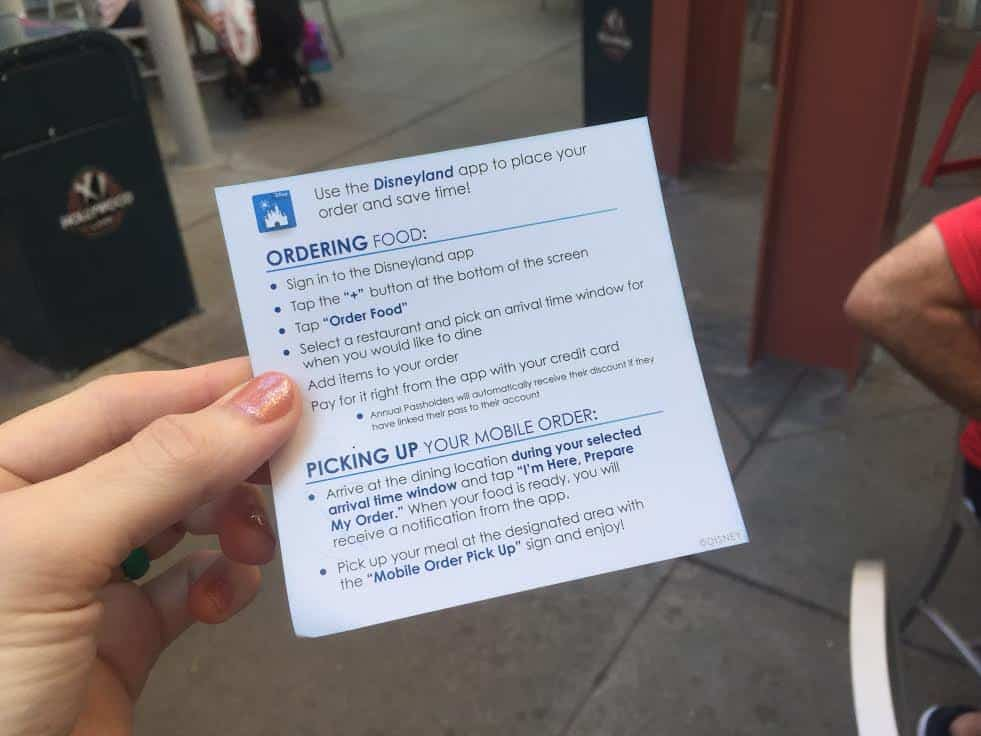 How to mobile order Disneyland
