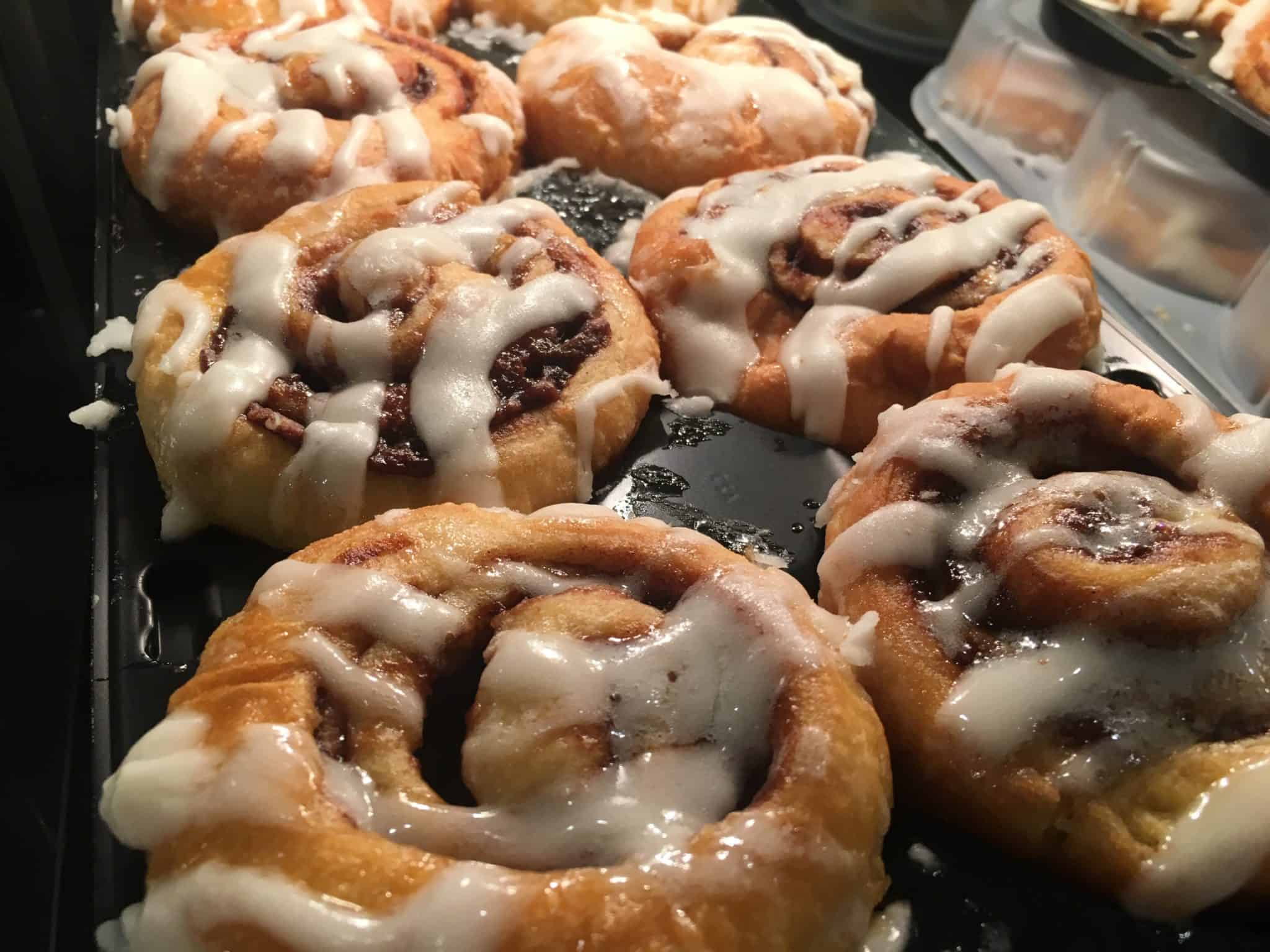 holiday inn breakfast cinnamon rolls