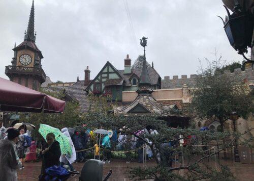 Disneyland rain cold