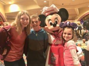 Minnie Mouse goofys kitchen