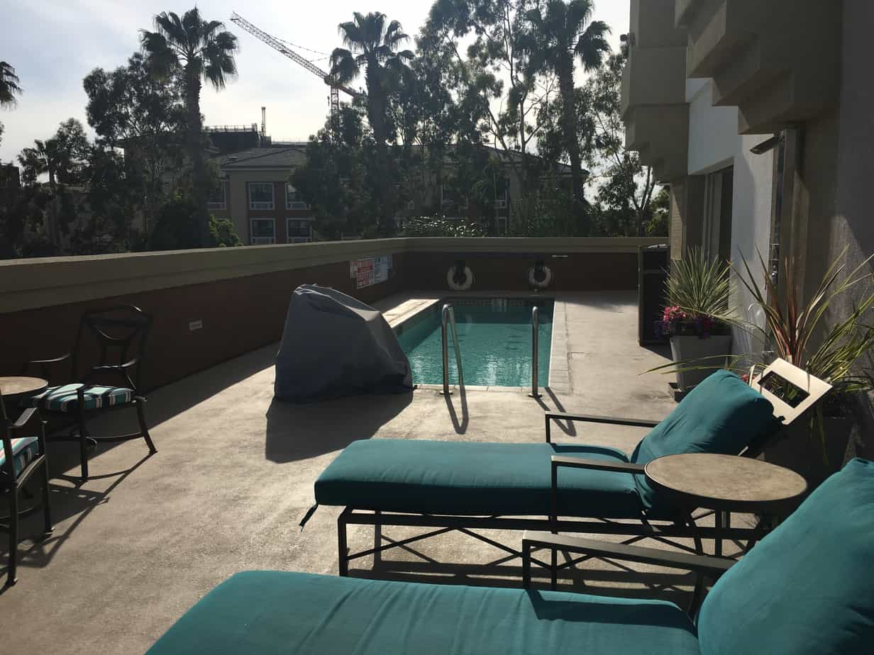 Candlewod Anaheim pool