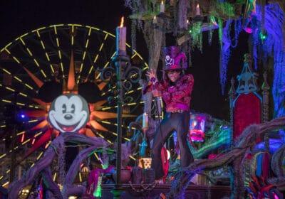 Frightfully Fun Disneyland Parade