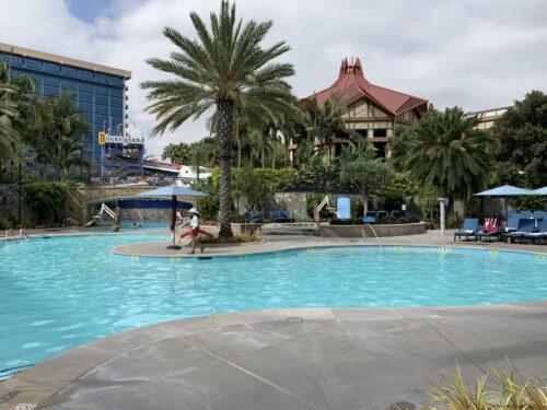 Disneyland hotel pool