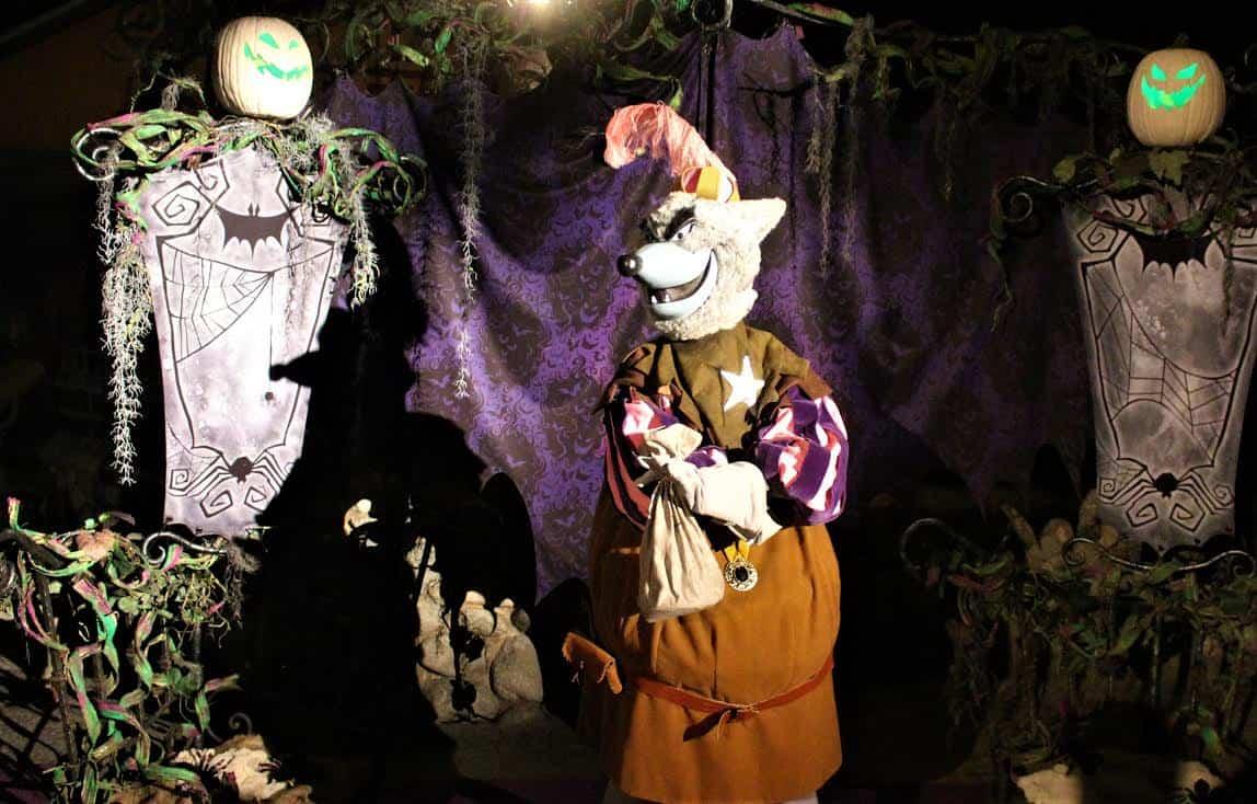 Disneyland villains
