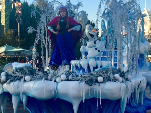 Frozen Disneyland parade