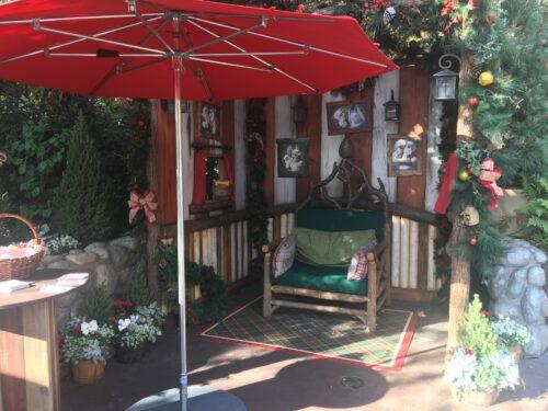 Santa Disneyland Critter Country