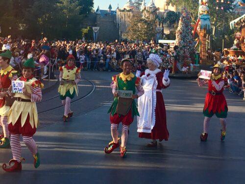 Santa Disneyland parade