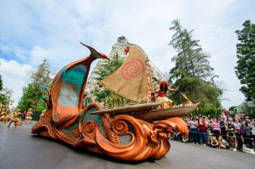 Moana Disneyland parade