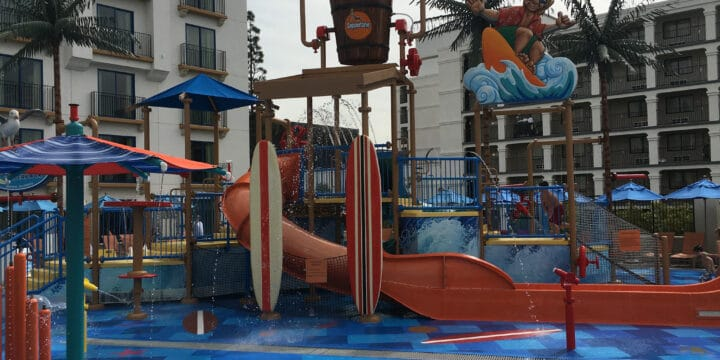 Courtyard Marriott a Disneyland Water Park Hotel