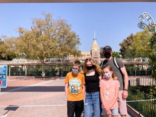 Family Disneyland entrance