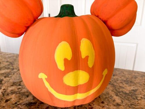 DIY Mickey jackolantern