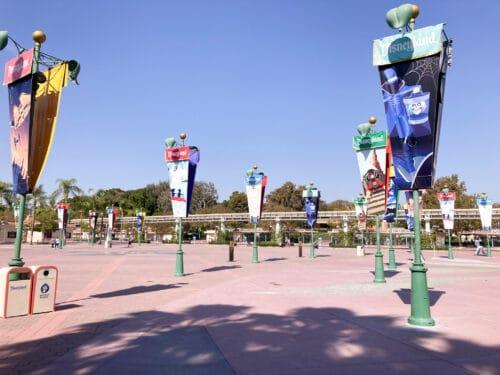 Disneyland esplanade