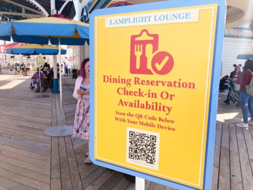 Dining reservation check in Disney