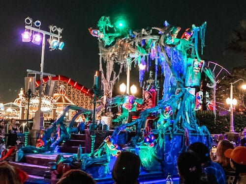 oogie boogie bash parade